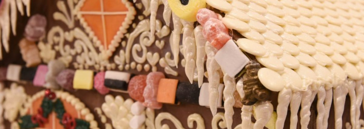 Cadbury World gingerbread house made of 677 bars of chocolate
